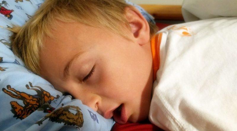 Chrapanie - problem u dzieci i dorosłych
